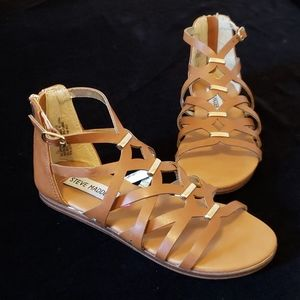 Adorable Girl's sz 1 Steve Madden Sandals like new